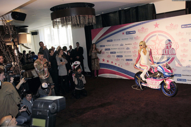 Paris Hilton Celebrity Beautiful Babe Posing Hot