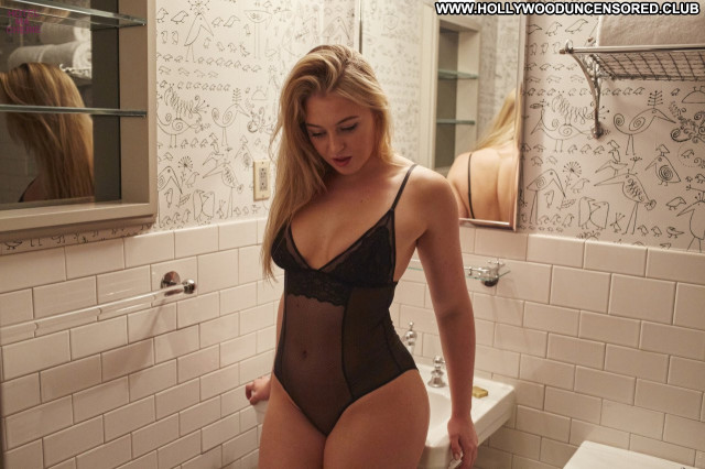Iskra Lawrence No Source  Posing Hot Beautiful Lingerie Babe Celebrity