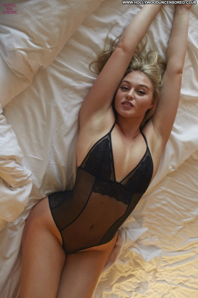 Iskra Lawrence No Source Babe Lingerie Celebrity Beautiful Posing Hot