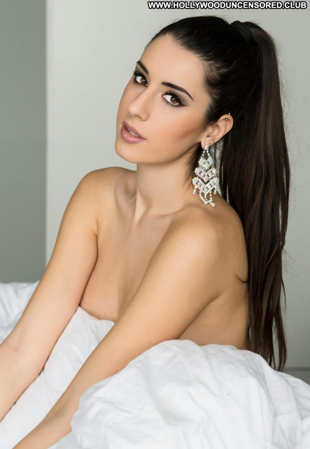 Valentina Vignali No Source Babe Celebrity Posing Hot Beautiful