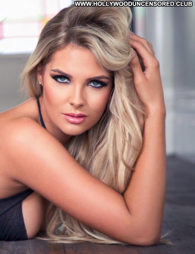 Sarah Harris No Source  Babe Lingerie Sexy Beautiful Celebrity Posing