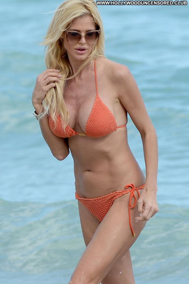 Victoria Silvstedt No Source Bikini Orange Beach Celebrity Posing Hot
