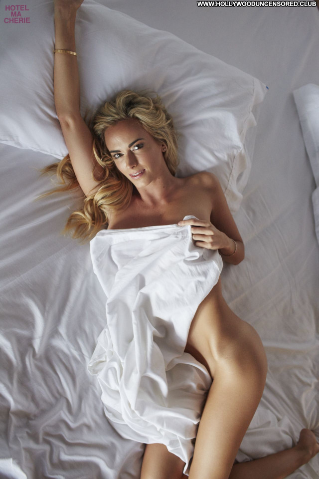 Jena Sims Mexico Hotel Beautiful American Nude Posing Hot Actress