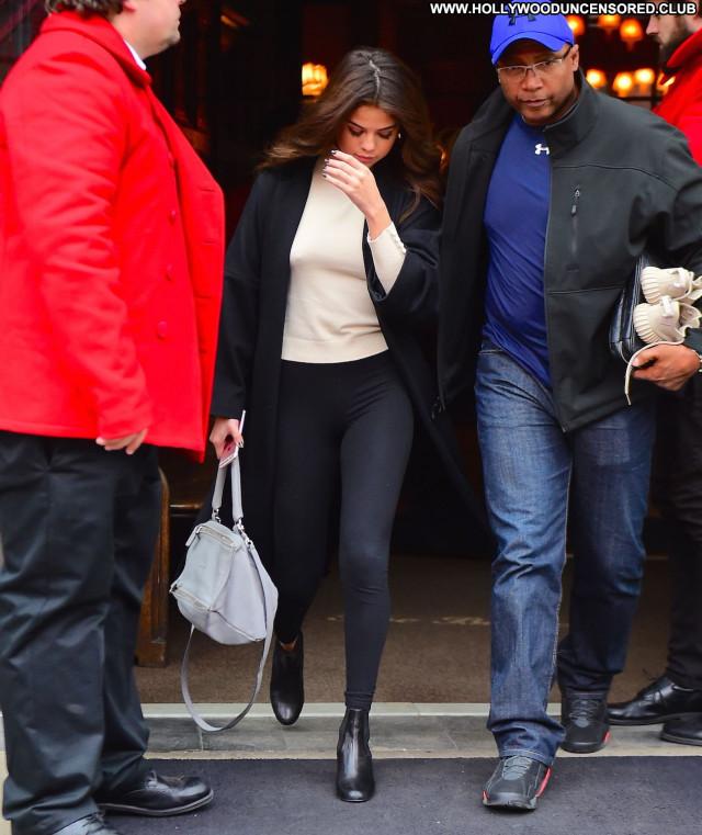 Selena Gomez Paparazzi Actress Celebrity Babe Sexy Beautiful American