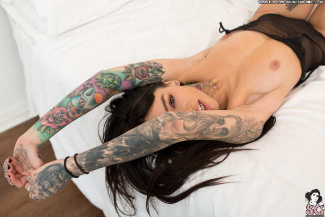 Foxilla Suicide Girls Tits Posing Hot Bed Celebrity Beautiful Nude