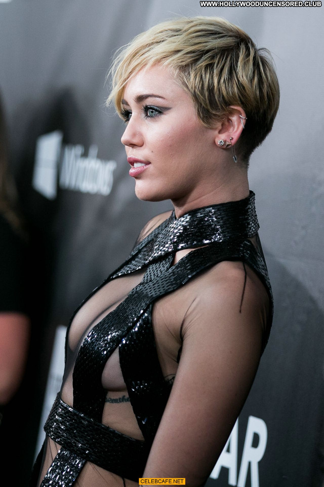 Miley Cyrus No Source Hollywood Toples Posing Hot Topless Celebrity