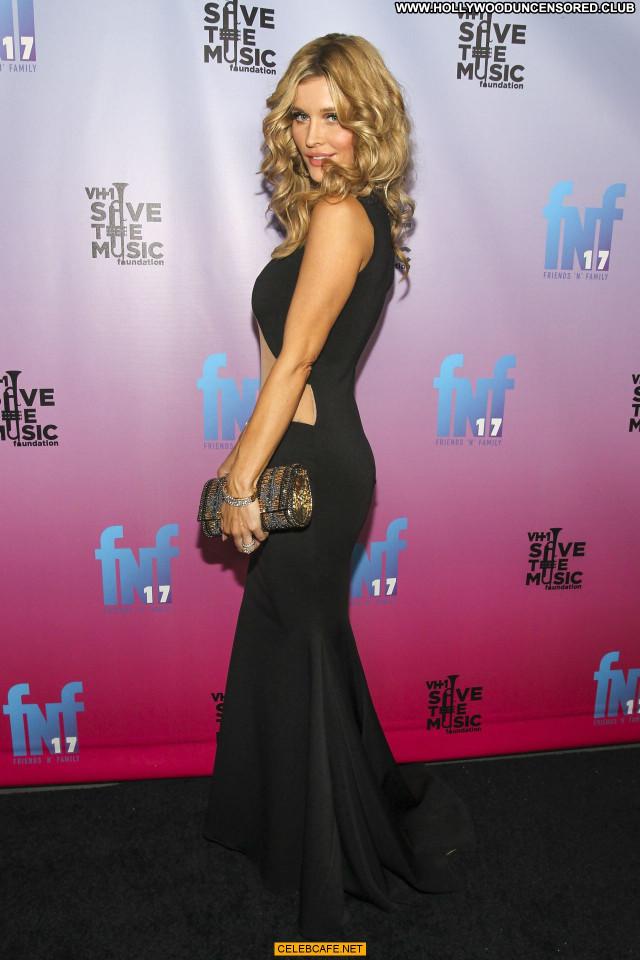 Joanna Krupa No Source Pants Celebrity Posing Hot Beautiful Bra Party