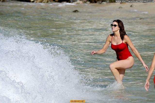 Stephanie Seymour The Beach Beautiful Celebrity Sex Bar Sexy Beach