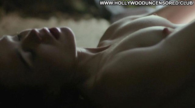 Ellen Page No Source Perfect Toples Ass Posing Hot Bed Tits Babe