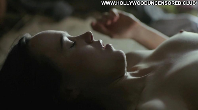 Ellen Page No Source Ass Posing Hot Forest Big Tits Celebrity Bed