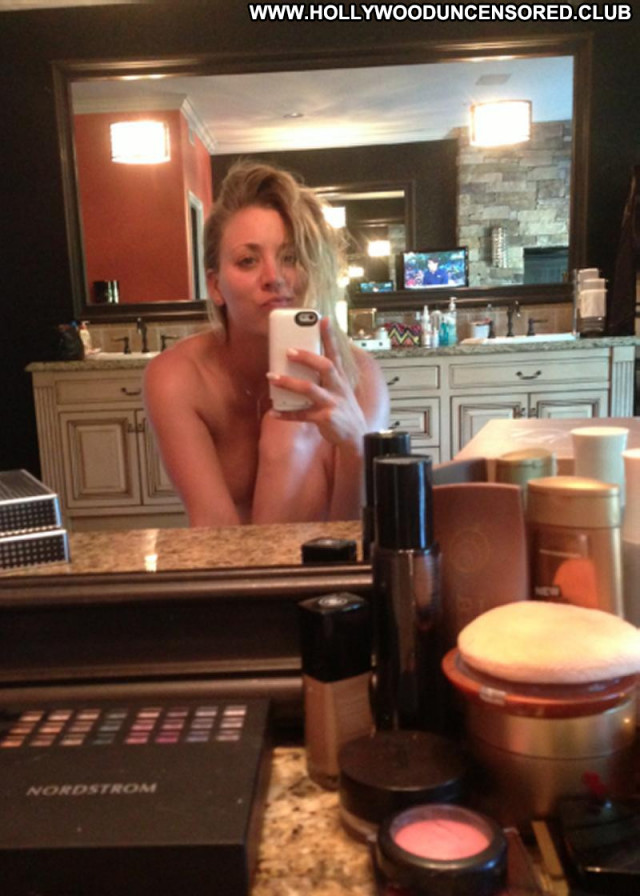 Kaley Cuoco The Big Bang Leaked Topless Celebrity Babe Beautiful