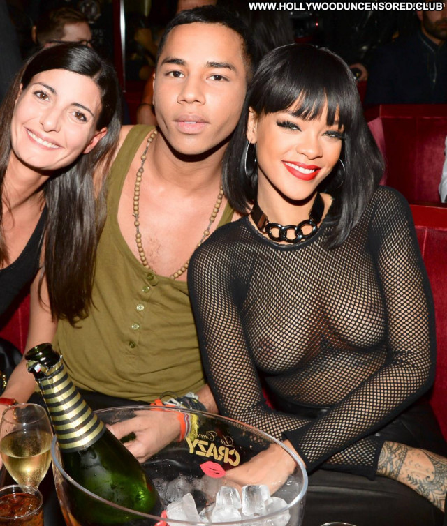 Rihanna No Source Bra Topless Celebrity Singer Party Big Tits Bar