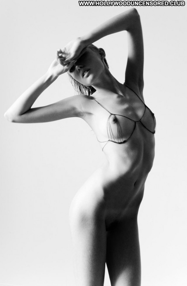 Cora Keegan Pretty Face Celebrity Breasts Beautiful Posing Hot Nude