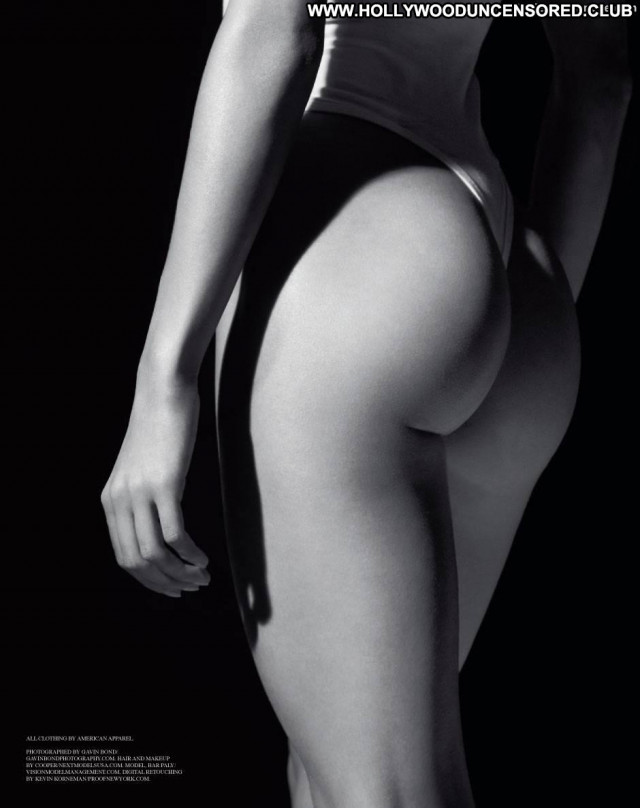 Bar Paly Photo Shoot Big Tits Bar Magazine Beautiful Model Nude