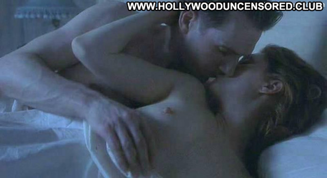 Julianne Moore The End Of The Affair Babe Nipples Posing Hot Breasts