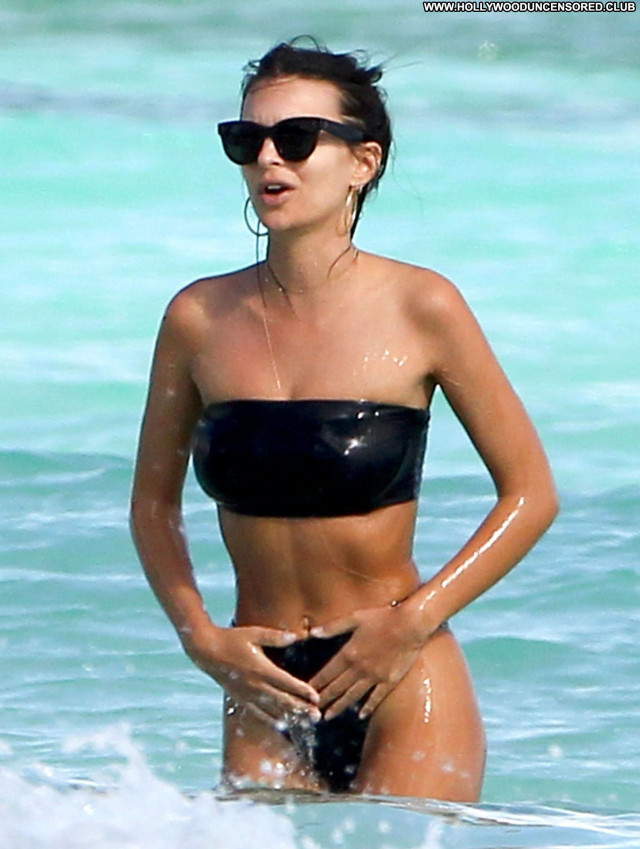 Emily Ratajkowski No Source Babe Posing Hot Beautiful Candid Topless