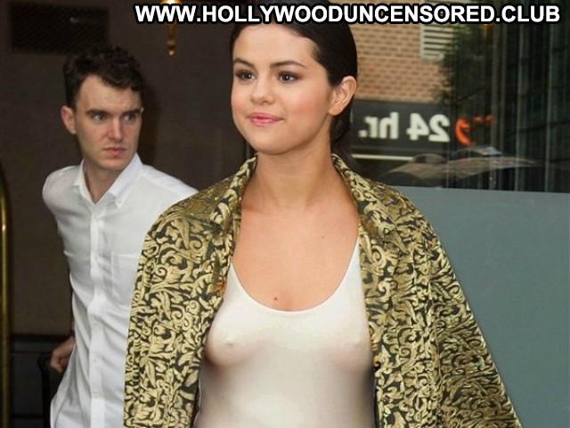 Selena Gomez No Source Bra Cougar Pokies Rich Latina Celebrity Babe