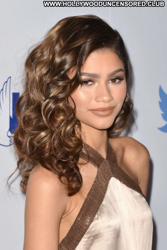 Zendaya Beverly Hills Paparazzi Babe Posing Hot Beautiful Celebrity