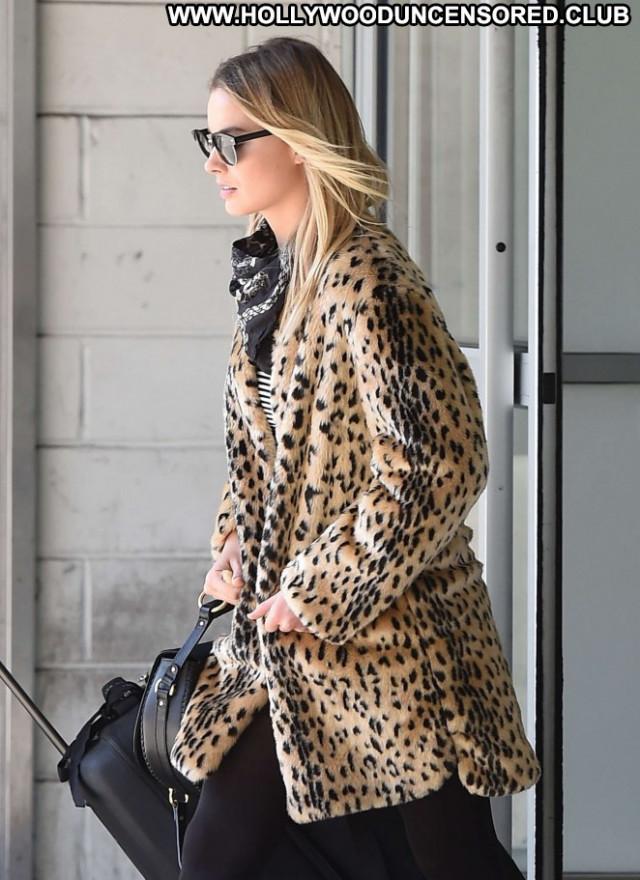 Margot Robbie Jfk Airport In Nyc Babe Nyc Posing Hot Beautiful