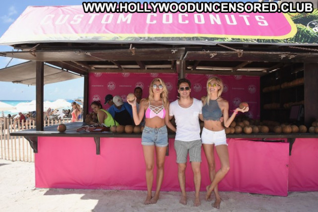 Rachel Hilbert Spring Break Posing Hot Celebrity Party Beach