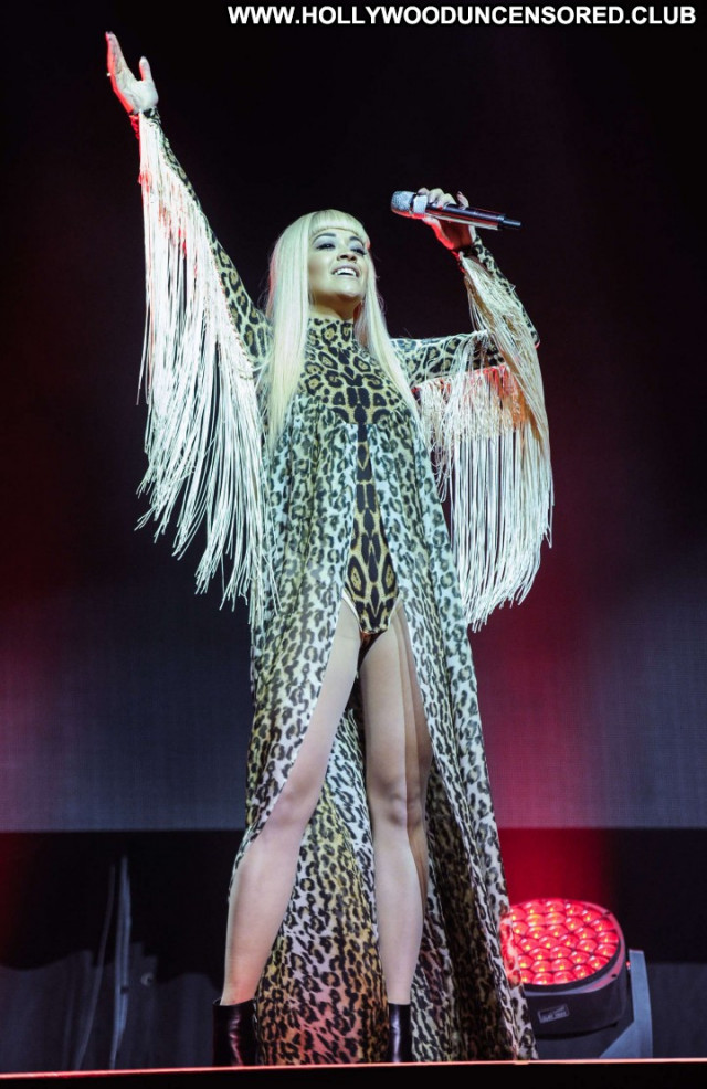 Rita Ora Paparazzi Babe Celebrity Beautiful Posing Hot Doll Sexy