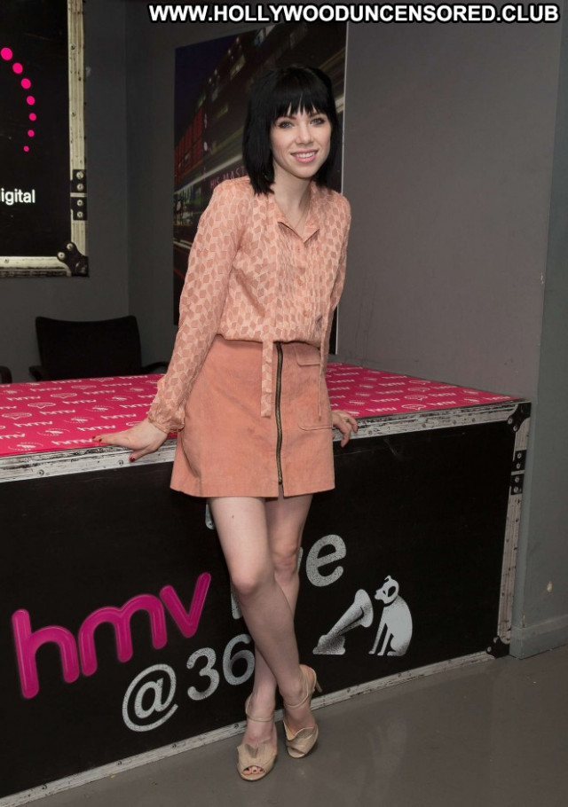 Carly Rae Jepsen No Source Beautiful Paparazzi Celebrity Babe Posing