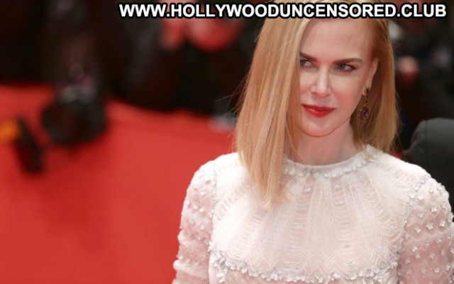 Nicole Kidman The Desert Desert Posing Hot Celebrity Beautiful