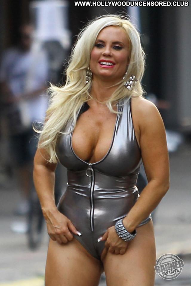 Celebrities Nude Celebrities Posing Hot Nude Babe Celebrity Beautiful