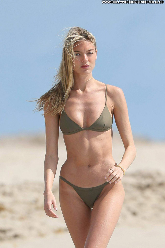 Martha Hunt The Victoria S Secret Fashion Posing Hot Brazilian