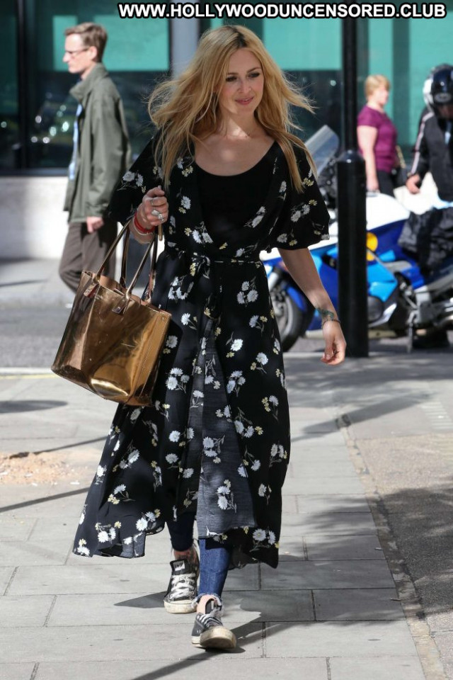 Fearne Cotton No Source Beautiful Posing Hot London Paparazzi Babe