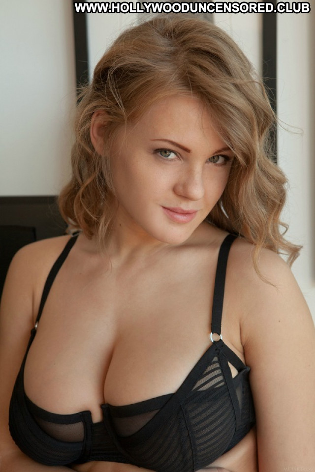 Viola Bailey No Source Latvian Old Porn Busty Posing Hot Gorgeous