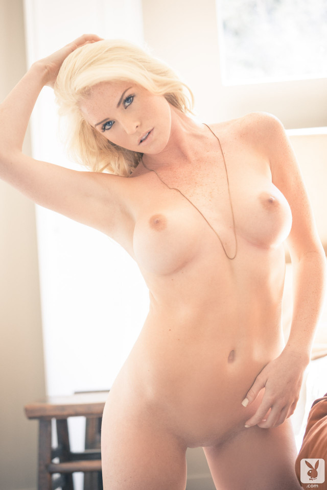 Carly Lauren Rules Of Engagement Car Model Blonde Posing Hot