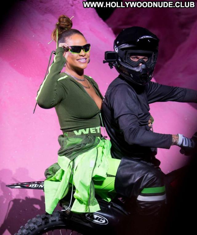Rihanna No Source  Babe Paparazzi Celebrity Beautiful Summer Posing