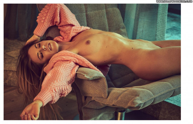 Ronda Rousey Sports Illustrated Magazine Posing Hot Beautiful Sport