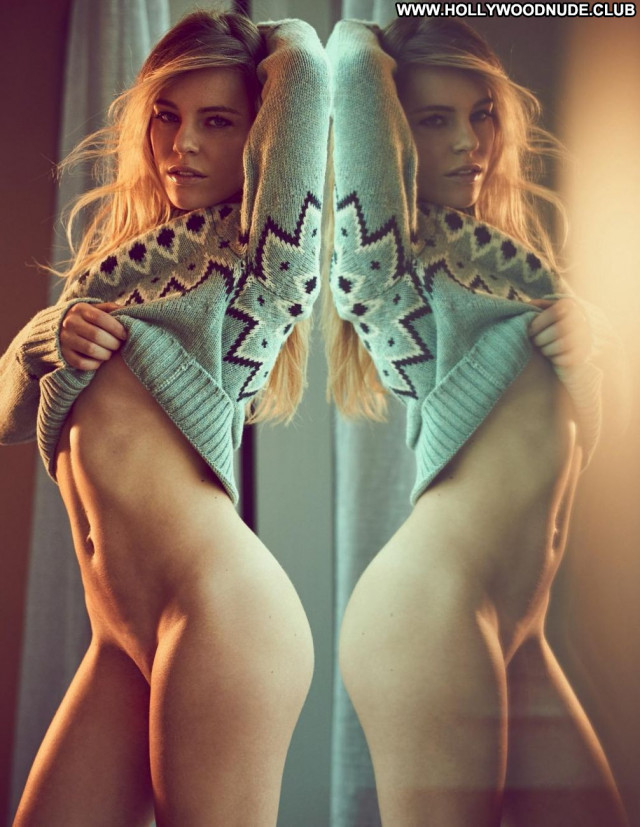Ronda Rousey Sports Illustrated Female Sports Photoshoot Celebrity