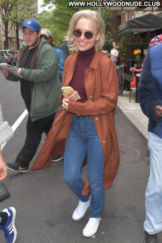 Emilia Clarke New York Paparazzi New York Hot Posing Hot Celebrity