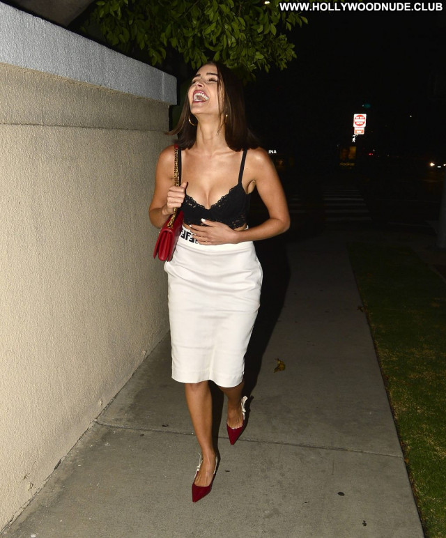 Nicole Tuck Beverly Hills Nyc Sex Celebrity Posing Hot Pretty Park