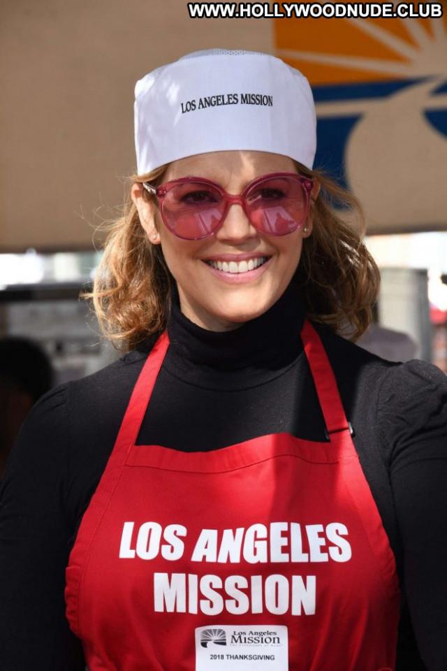 Home Los Angeles Los Angeles Babe Posing Hot Angel Paparazzi Homeless
