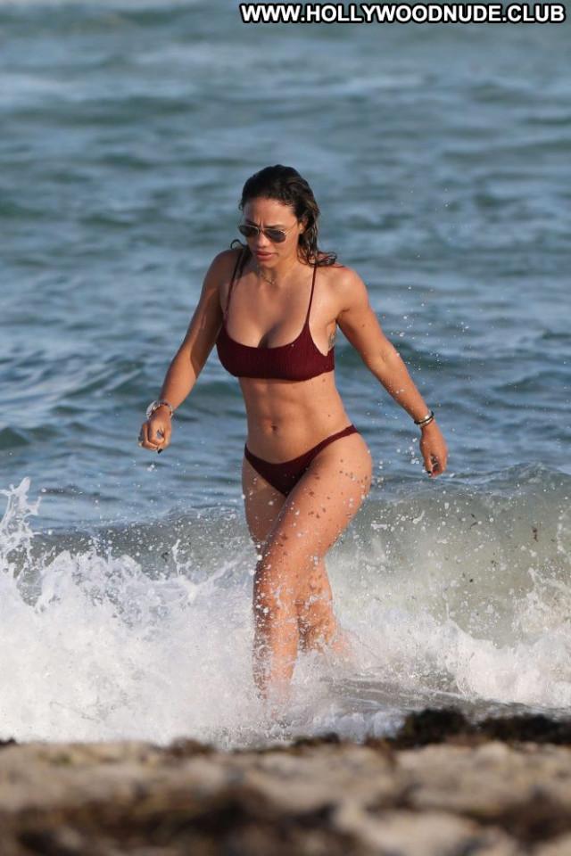 Jessica Miami Beach Celebrity Bikini Paparazzi Beach Beautiful Posing