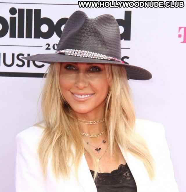 Brandi Cyrus Las Vegas Bra Beautiful Celebrity Posing Hot Babe