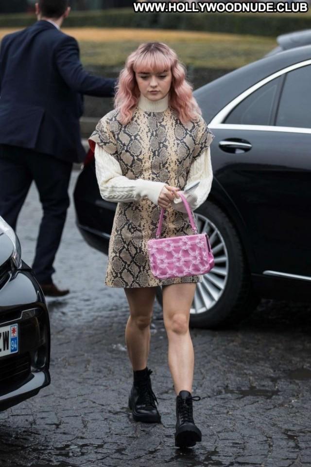 Maisie Williams No Source  Celebrity Paparazzi Babe Beautiful Paris
