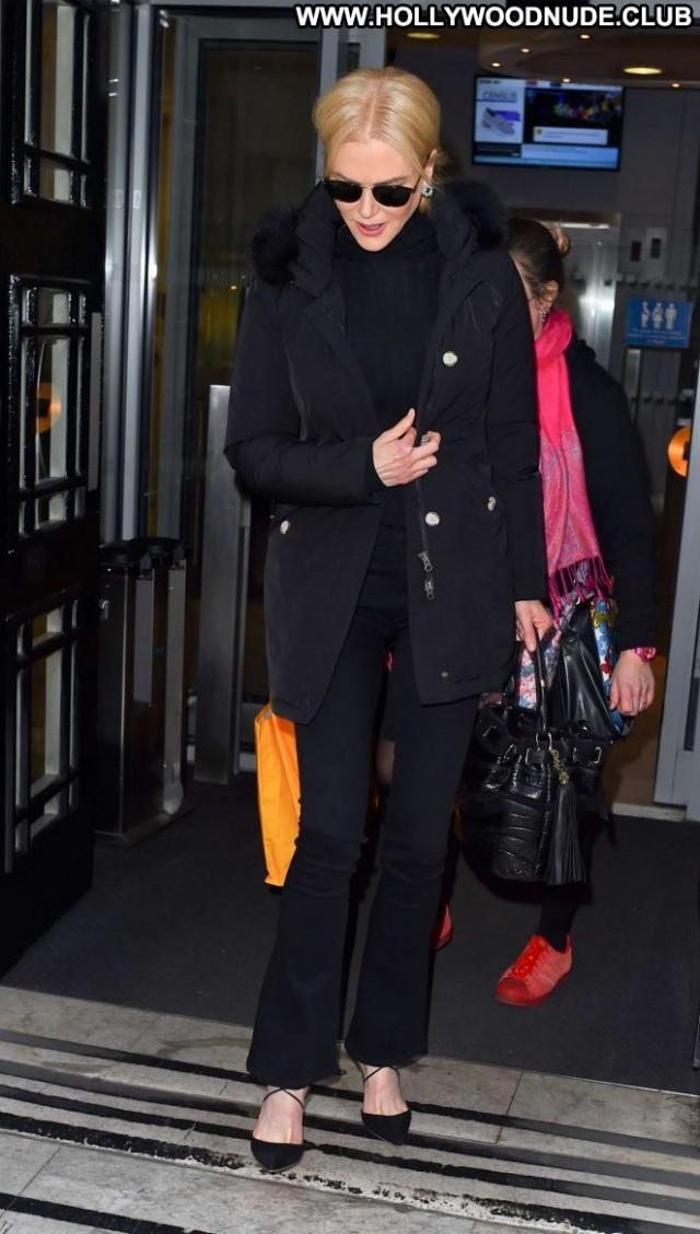 Nicole Kidman No Source Beautiful Paparazzi London Celebrity Posing