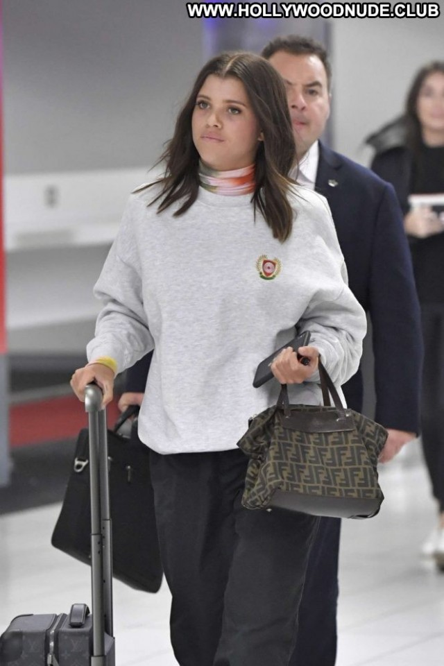 Sofia Richie No Source Posing Hot Celebrity Rich Beautiful Babe