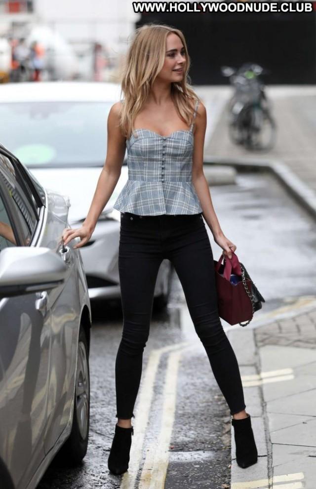 Kimberley Garner No Source Posing Hot Celebrity Beautiful Babe