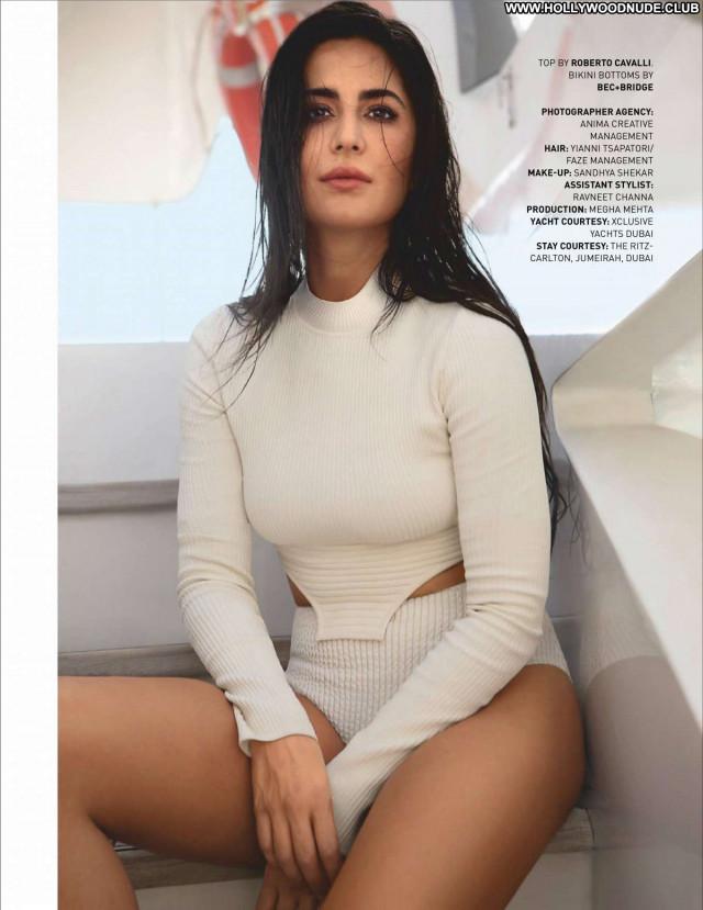 Alessandra Ambrosio No Source Posing Hot Beautiful Spandex Celebrity
