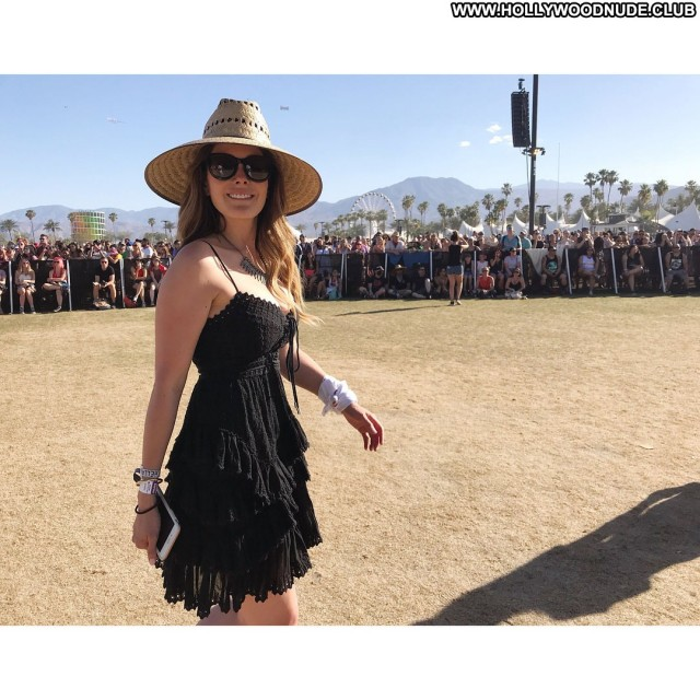 Lindsay Price Days Of Our Lives  Bus German Pretty Posing Hot Busty