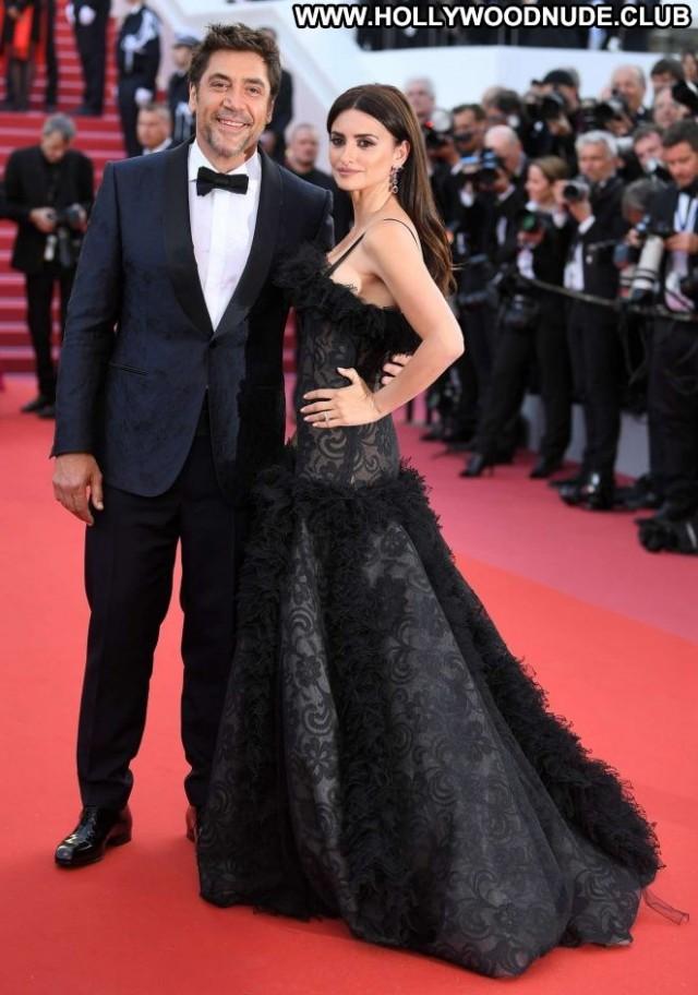 Penelope Cruz Cannes Film Festival Posing Hot Celebrity Babe