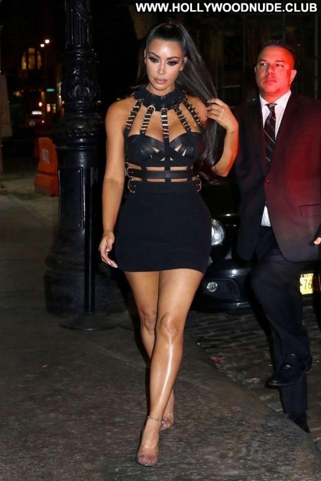 Kim Kardashian New York Beautiful Babe Posing Hot Paparazzi New York