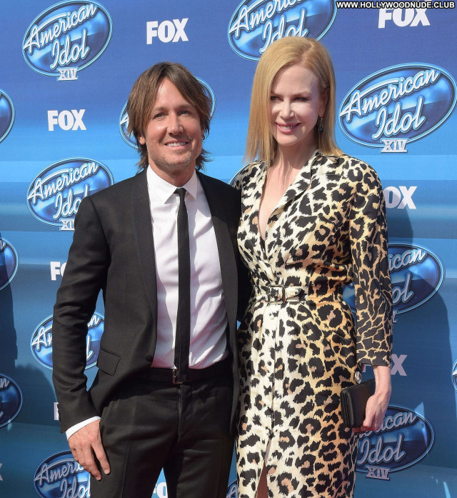 Nicole Kidman American Idol Paparazzi Celebrity Posing Hot Babe Sea
