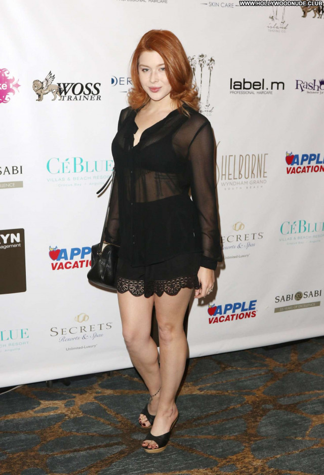Renee Olstead Beverly Hills Red Carpet Paparazzi Beautiful Car Babe